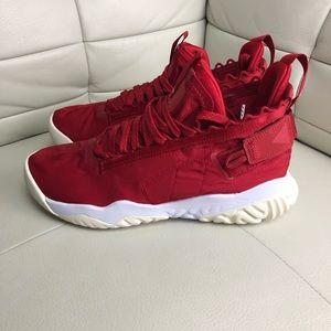 Jordan proto react gym red